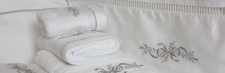 sem sem est une jeune marque mais elle bnficie dj de beaucoup dexprience vous dcouvrirez nos broderies aussi bien sur des tissus hauts de gamme soie - Parure De Lit Mariage Tunisie